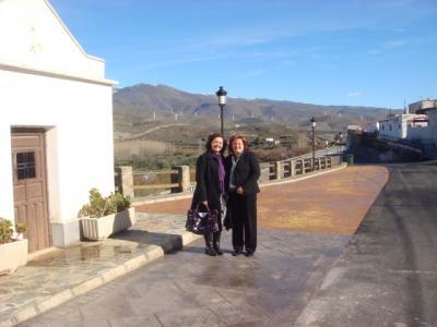 La Delegada de la Consejería de Obras Públicas, Alejandra Rueda, visita Las Tres Villas para ver las obras realizadas en los tramos antiguos de la carretera nacional 324