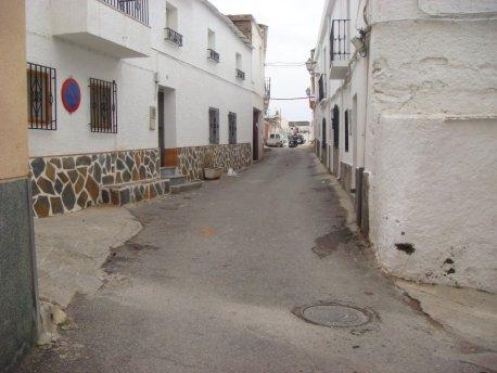 Adjudicadas las obras de remodelación de la calle Real de Escúllar