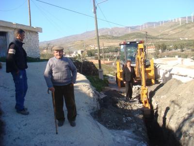 Comienzan las obras de saneamiento y pavimentado en la barriada de La Mosca